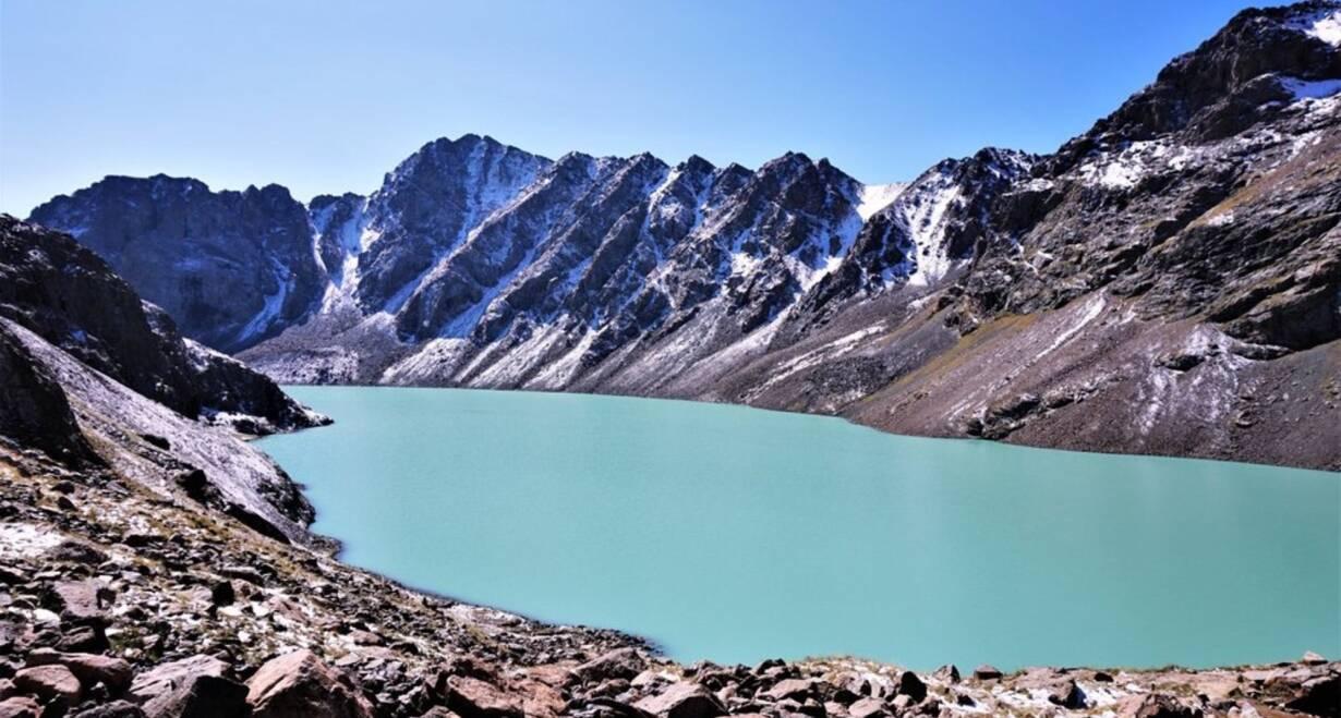 Avontuurlijk Kirgizië: Himalaya, yurts en nomaden - KirgiziëHet Alu Kul meer
