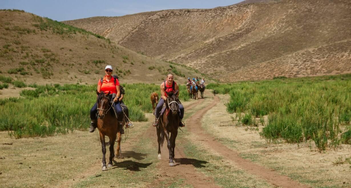 Avontuurlijk Kirgizië: Himalaya, yurts en nomaden - KirgiziëPaardrijden Kyzyl Suu