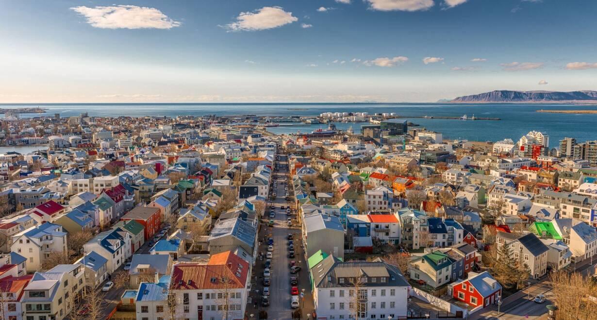 Fly & Drive IJsland: Hoogtepunten van Noord en Zuid - IjslandVan Akureyri naar Reykjavik