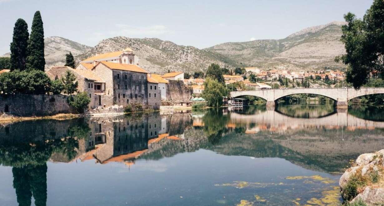Fly & Drive Kroatië: Watervallen, eilanden en Dubrovnik - KroatiëNaar Trebinje in Bosnië Herzegovina