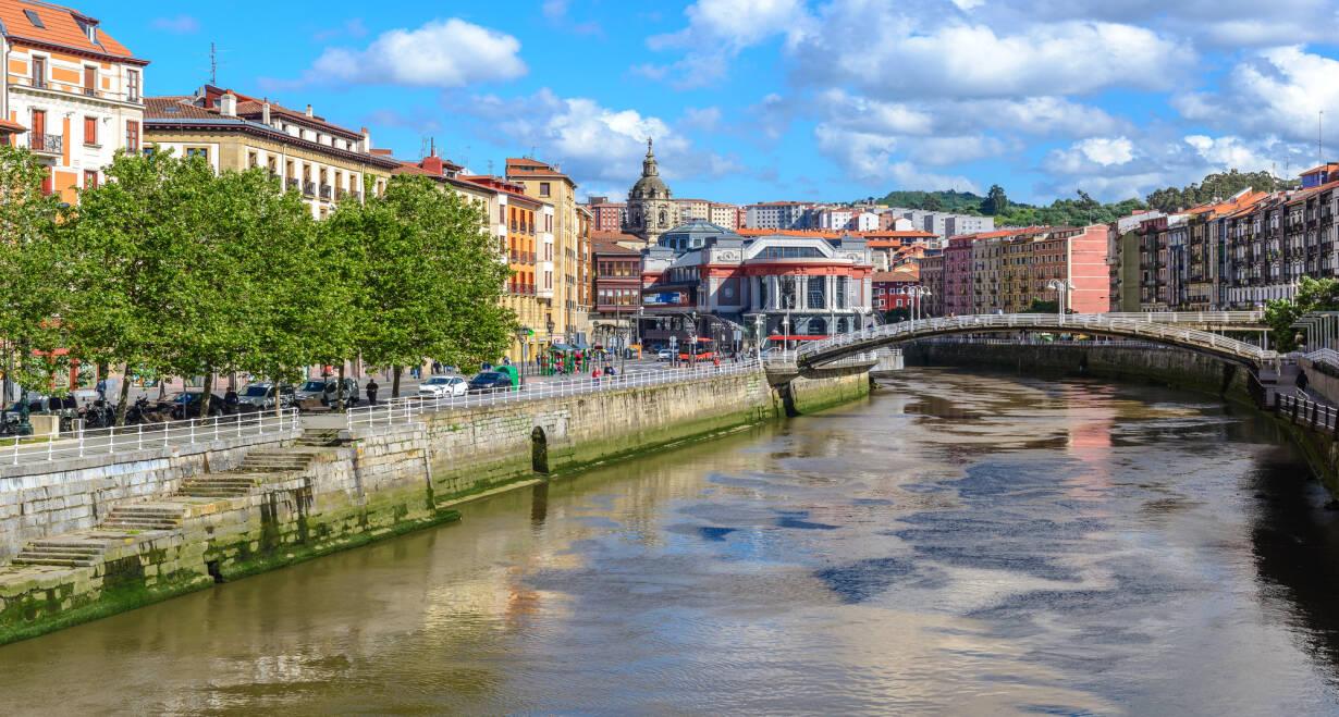 Fly & Drive Spanje en Portugal: van Bilbao naar Porto - SpanjeAankomst in Bilbao