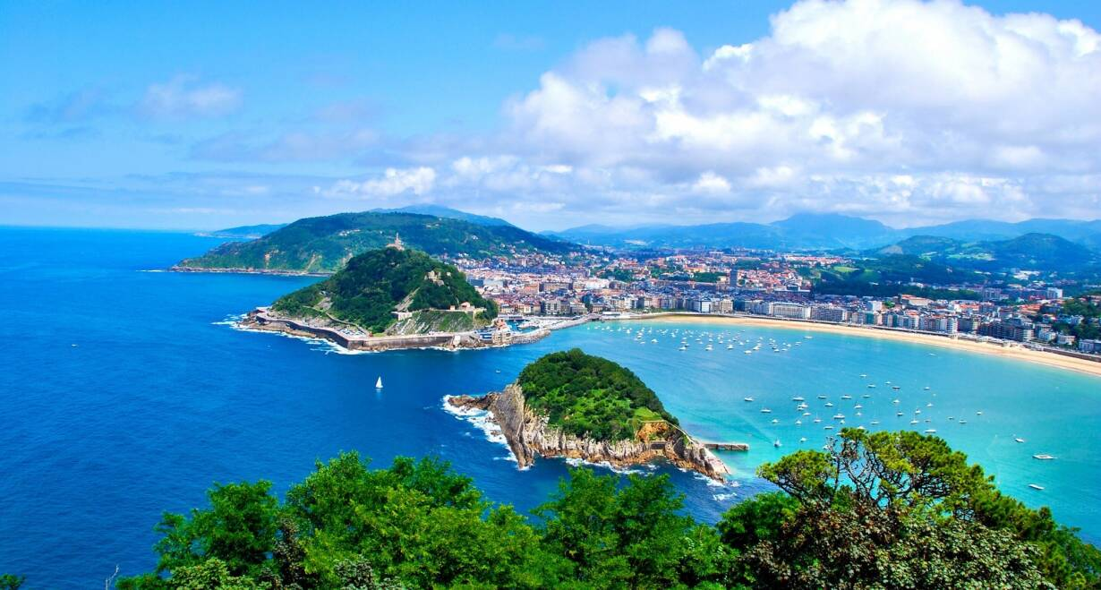 Fly & Drive Spanje en Portugal: van Bilbao naar Porto - SpanjeBilbao en omgeving
