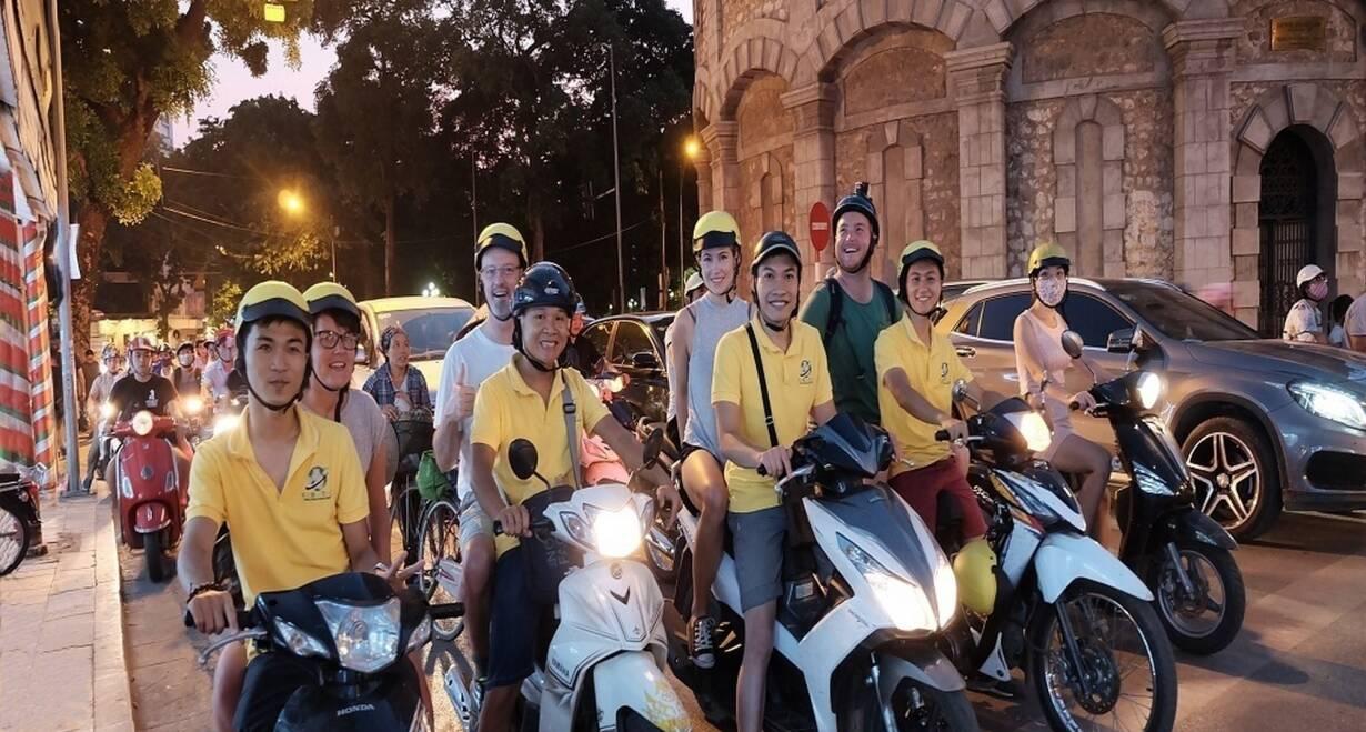 Vietnam: Sapa, Halong Bay en Saigon - VietnamHo Chi Minh City - Motorbike Street Food Tour